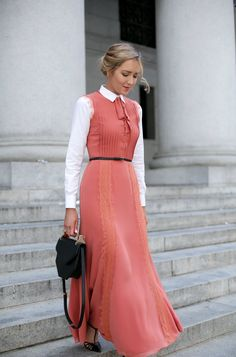 Love this collared coral maxi dress - perfect for looking st Coral Maxi Dresses, Modest Dresses, Modest Outfits, Classy Outfits, Pretty Dresses, Casual Dresses, Dresses For Work, Elegant Dresses, Sexy Dresses
