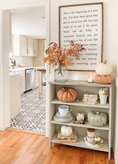 Modern Home Decor Fabulous and Fresh Farmhouse DIYS and Ideas - The Cottage Market.Modern Home Decor Fabulous and Fresh Farmhouse DIYS and Ideas - The Cottage Market Fresh Farmhouse, Farmhouse Design, Farmhouse Decor, Modern Farmhouse, Farmhouse Style, Farmhouse Ideas, Apartment Decoration, Diy Home Decor For Apartments, Fall Home Decor