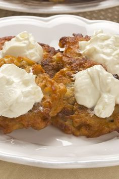 Weight Watchers Potato and Apple Latkes Recipe with Onion Flakes, Egg, Ground Cinnamon, and Fat Free Sour Cream - Gluten Free