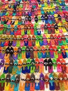 Minion Madness! Found on Rainbow Loom Facebook page.