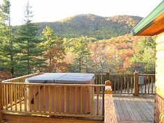 NC Blue Ridge Mountains Secluded Luxury Log Cabin with Incredible Mountain Views - Free WiFi - Hot Tub