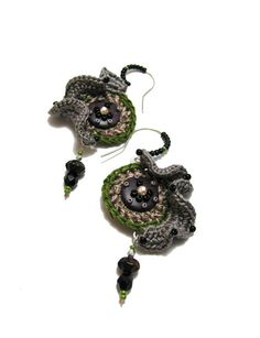 Rouched Crochet earrings green grey lilac by perlinedisaggezza, €25.00