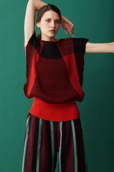 2017プレフォール - イッセイ ミヤケ(ISSEY MIYAKE) ランウェイ|コレクション(ファッションショー)|VOGUE JAPAN