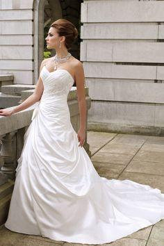 Robe De Mariée Avec Fourreau Plissé Sans Manches Traîne Mi-longue Longueur Ras Du Sol Satin Col En Cœur