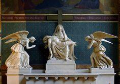 P1230426 Paris IV eglise St-Gervais-St-Protais statues rwk - Église Saint-Gervais-Saint-Protais de Paris — Wikipédia