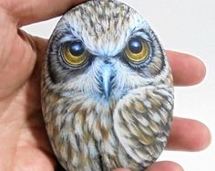 Gufo di Boobook 3D verniciato roccia! Pittura di uccelli, dipinto a mano con acrilico di alta qualità rifinito con protezione di vernice lucida e pitture.