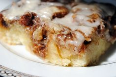 Cinnamon Roll Cake  Recipe @ that's some good cookin' as found at The Girl Who Ate Everything  Printable Recipe