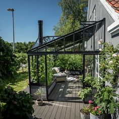Greenhouse Attached To House, Backyard Greenhouse, Pergola Garden, Backyard Landscaping, Outdoor Spaces, Outdoor Living, House Extension Design, Estilo Tropical, Exterior