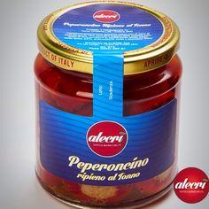 Conserve di Mare: Peperoni ripieni al Tonno  Peperoni ripieni al Tonno Peperoncino piccante, tonno, acciughe, capperi, sale, aceto di vino, olio di semi di girasole.Correttore di acidità: acido citrico E330.Acido lattico: E270. Antiossidante: acido L-ascorbico E300.  Scopri tutte le info su questo prodotto: http://www.alecri.com/prodotti/peperoncino-ripieno-al-tonno/   #peperoni #tonno #restaurant #restaurant #foodporn #food #instafoodporn #instafood #mare