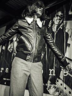 Look seventies : blouson en cuir + pantalon flanelle