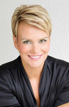 Top 20 Short Blonde Haircuts-4