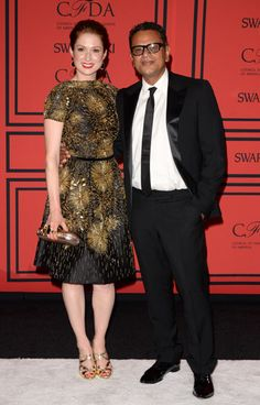 The Style of the 2013 CFDA Awards: Ellie Kemper in Naeem Khan with the designer