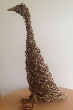 Indian Runner duck - willow sculpture Willow Wreath, Vine Wreath, Tree Sculpture, Animal Sculptures, Willow Weaving, Basket Weaving, Willow Sticks, Runner Ducks, Pot Pourri