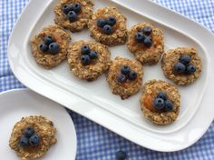 Banana Blueberry Breakfast Birds Nests 2-3 over ripe medium to large bananas  1 egg white  1/2 cup almond flour  2 Tbsp ground flaxseed  1 cup old fashioned oatmeal  Apricot preserves  30 fresh blueberries