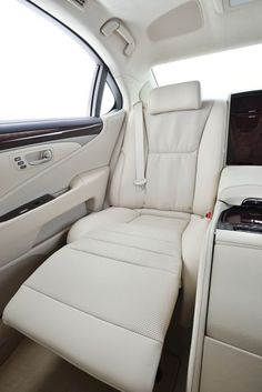 Lexus LS. Oh sweet baby Jesus!!! For my back seat to be able to do that..idk if I 'd drive.
