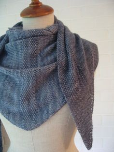 Nae Shawl - love the knit texture of this pattern, complimentary on Raverly! I might make 2 and sew together to make a poncho ...?