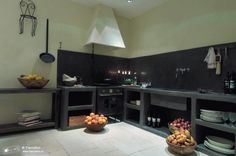 not the feel I want for my house, but an interesting example of tadelakt used in a kitchen. Kitchen Interior, Kitchen Decor, Kitchen Design, Kitchen Ideas, Houses In France, Tadelakt, Concrete Kitchen, Natural Building, Rustic Shelves