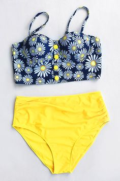More flower power to you. Only $18.99 can you get it within Short Shipping Time. Let the bright color bring you to the hot beach now! Enjoy it~