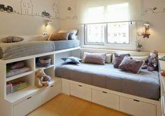 <p>Idéal pour une chambre d'enfant partagée, les lits de hauteurs différentes. Cette installation est idéale pour gagner en place et en rangements puisque étag...                                                                                                                                                                                 Plus