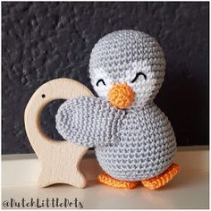 Crochet Penguin, Crochet Baby Toys, Baby Blanket Crochet, Crochet For Kids, How To Make Toys, Teething Toys, Baby Rattle, Craft Stick Crafts, Handmade Baby