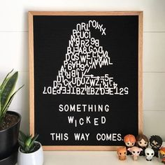 The most versatile and minimalist decoration for your home - felt letter board. Totally in love with and all of the fun boards they create! Inspirational and funny letter board quotes. The Letter Tribe Word Board, Quote Board, Message Board, Thanksgiving Letter, Thanksgiving Messages, Felt Letter Board, Felt Letters, Halloween Letters, Halloween Quotes