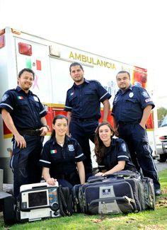 Servicio de Ambulancia MedCare Querétaro equipado con OMNI Pro EMS y accesorios de MERET. EMS Mexico | Equipando a los Profesionales