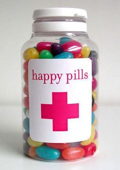 "jelly beans as ""happy pills"" for upset kids. Gag Gifts, Cute Gifts, Nurse Party, Medical Party, Diy Cadeau, Little Presents, Pill Bottles, Prescription Bottles, Pill Bottle Crafts"