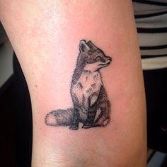 Little fox ! By @_ellaeve_art ✌️#dotting #dotwork #dotworkers #dotworktattoo #…