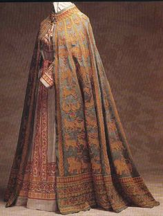 """robinlafevers: """" kateelliottsff: """" amarantines: """" ardentblue: """" tweed-eyes: """" clothing of Lower Empire """" The Byzantine Empire, that is. """" Oh FUCK """" My eyes have just fallen out of my head. Medieval Costume, Medieval Dress, Medieval Fashion, Medieval Clothing, Historical Costume, Historical Clothing, Moda Medieval, Vintage Outfits, Vintage Fashion"""