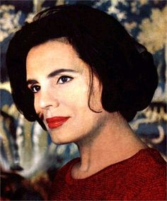 Amália Rodrigues #Portuguese #fado singer---- hmmm looks a lot like my aunt maiden name Rodrigues