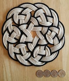 Items similar to Celtic Knot Trivet / Placemat on Etsy Crochet Kids Scarf, Baby Girl Crochet, Crochet Ideas, Diy Crafts To Sell, Diy Crafts For Kids, Sell Diy, Kids Diy, Rope Rug, Rope Crafts