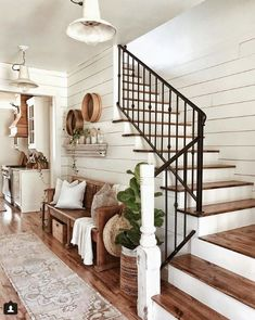 Farmhouse entryway and decor - shiplap walls, iron. - - Farmhouse entryway and decor - shiplap walls, iron. - Farmhouse entryway and decor - shiplap walls, iron. Shabby Chic Flur, Shabby Chic Hallway, Future House, Beautiful Bedroom Designs, Beautiful Bedrooms, Beautiful Stairs, House Beautiful, Beautiful Monday, Beautiful Space
