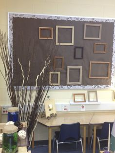 Art studio display space - Inquiring Minds...The Kindergarten Edition ≈≈ http://www.pinterest.com/kinderooacademy/provocations-inspiring-classrooms/