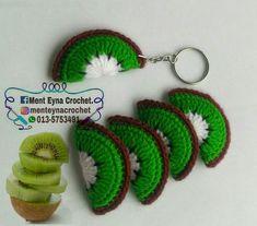 Crochet sliced fruit. Keychain. Crochet kiwi