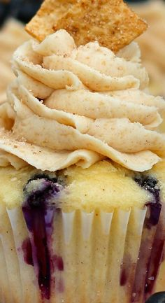 Blueberry Cinnamon T Cupcake Recipes, Cupcake Cakes, Dessert Recipes, Cupcake Ideas, Muffin Recipes, Cup Cakes, Dessert Ideas, Yummy Cupcakes, Breakfast Cupcakes