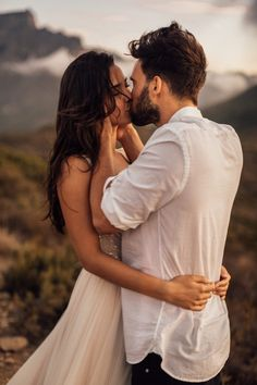 Wedding inspiration in Cape Town - Melli & Shayne Romantic Couples Photography, Romantic Photos, Couple Photography Poses, Wedding Photography, Couple Photoshoot Poses, Cute Couple Pictures, Wedding Photo Inspiration, Couples In Love, Wedding Pictures