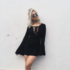 Image about moda in ♕ Style ♕ by ❁ on We Heart It Look Fashion, Autumn Fashion, Womens Fashion, Fashion Black, Edgy Summer Fashion, 90s Fashion, Fashion Beauty, Cute Dresses, Cute Outfits