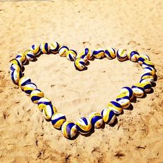 Who loves beach volleyball? Beach Volleyball, Volleyball Gifs, Volleyball Outfits, Coaching Volleyball, Volleyball Pictures, Olympic Gymnastics, Olympic Games Sports, Volleyball Wallpaper, Jordyn Wieber