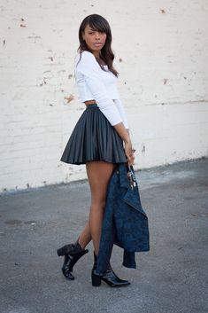 Elles sont belles, jeunes et ont une grande influence sur la fashionsphère. Qui sont-elles? Les blogueuses mode, leur boulot? Poster les dernières tendances en termes de mode, partager les meilleurs bons plans mode et présenter les dernières pièces des plus grandes marques de prêt-à-porter. Découvrons aujourd'hui ces filles qui se cachent derrière des…