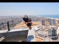 【高所恐怖動画】地上150メートルでバク宙(バックフリップ)に挑戦した男性、着地に失敗そのまま((((;゚Д゚))))