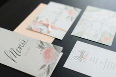 Stationary: www.waldundschwert.com Hochzeitswahn Galeriendetails | Hochzeitsblog Hochzeitswahn – Sei Inspiriert! Wedding Designs, Wedding Ideas, Paper Goods, Big Day, Place Card Holders, Wedding Photography, Invitations, Inspiration, Projects