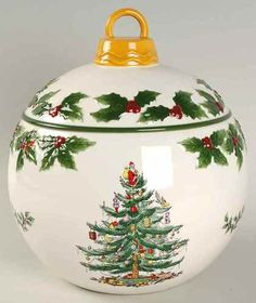 Spode Christmas Tree Cookie Jar I love Holly and I love the shape of this!