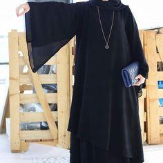 Repost @tiii600 with @instatoolsapp من كوليكشن الجديد عبيها تجنن ومناسبه للجميع @al_alya_abaya @al_alya_abaya @al_alya_abaya . #subhanabayas #fashionblog #lifestyleblog #beautyblog #dubaiblogger #blogger #fashion #shoot #fashiondesigner #mydubai #dubaifashion #dubaidesigner #dresses #capes #uae #dubai #abudhabi #sharjah #ksa #kuwait #bahrain #oman #instafashion #dxb #abaya #abayas #abayablogger #абая