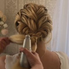 For more video tutorial about hair just visit our cutie pie web site! makeup ideas For more video tutorial about hair just visit our cutie pie web site! For other models, you can visit the category. For more ideas, please visit our homepage. Box Braids Hairstyles, Wedding Hairstyles, Layered Hairstyles, Hair Videos, Prom Hair, Hair Trends, Bridal Hair, Hair Inspiration, Curly Hair Styles