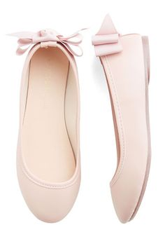 sweet bow flats  http://rstyle.me/n/uafn2pdpe