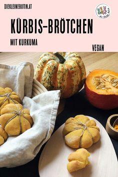 Kürbis gehört untrennbar zum Herbst - und zu Halloween! Kurkuma stärkt das Immunsystem und ein feines Brötchen zum Tee schmeckt besonders in der kalten Jahreszeit! Vegane Kürbis-Brötchen, die nicht nur fein aussehen, sondern besonders gut schmecken und einfach zu machen sind! #halloween #kürbis #Herbst #Rezept #vegan #kürbisbrötchen #kürbisweckerl Vegan Appetizers, Appetizer Recipes, Food Porn, Snacks Für Party, Vegan Pumpkin, Halloween Snacks, Turmeric, Cantaloupe, Rolls