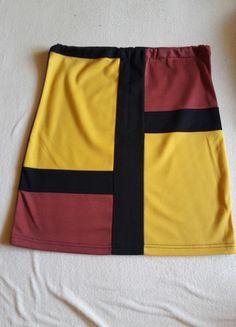 Kupuj mé předměty na #vinted http://www.vinted.cz/damske-obleceni/sukne-po-kolena/11201407-jedinecna-sukne-ke-kolenum
