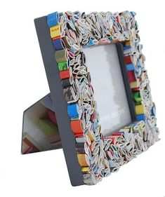 Recycled Paper Crafts, Recycled Magazines, Newspaper Crafts, Recycled Crafts, Paper Recycling, Colorful Picture Frames, Mini Picture Frames, Camping Crafts, Fun Crafts