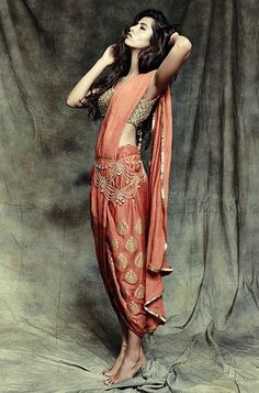 60 Elegant Indian Dresses and Outfits to enjoy Traditional Touch indian dress 60 Elegant Indian Dresses and outfits to enjoy traditional touch India Fashion, Ethnic Fashion, Asian Fashion, Indian Inspired Fashion, London Fashion, Street Fashion, Women's Fashion, Indian Attire, Indian Wear