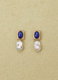 Baroque earrings in cultured pearls, lapis lazuli, strass and brass with gold finish Pearl Jewelry, Jewelry Box, Vintage Jewelry, Fine Jewelry, Handmade Jewelry, Jewelry Accessories, Jewelry Design, Fashion Accessories, Baroque Pearls